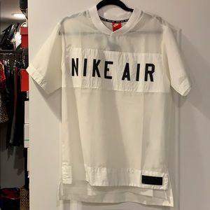 Nike ✨NWT✨ Sheer Top